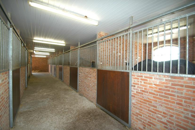 Country house for sale in Ravels