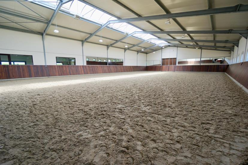 Equestrian complex in approximately 2,9ha in Weelde