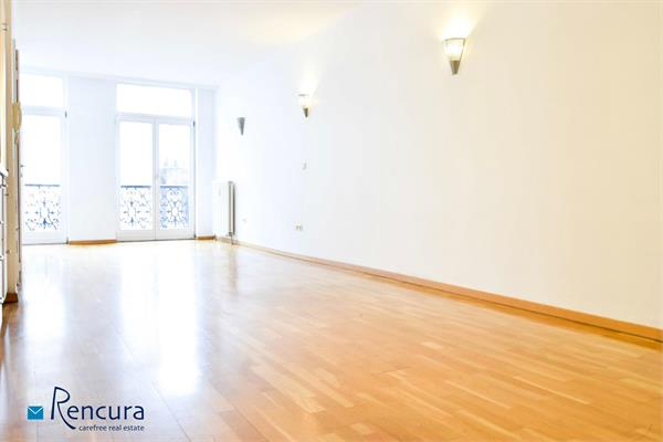 Studio apart.of +/- 43m² in residence Poissonniers