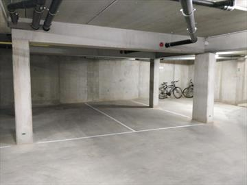 A louer - Parking souterrain - Halle